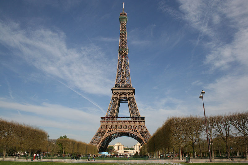 800px-Eiffel_tower-Paris