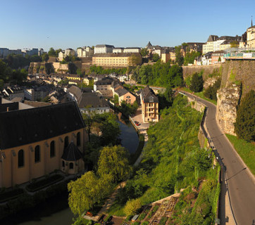 800px-Luxembourg_City_pano_Wikimedia_Commons
