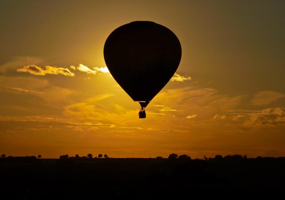 traveling-by-hot-air-0dd4e242-c978-4a1f-8fa5-91b7878e2e53