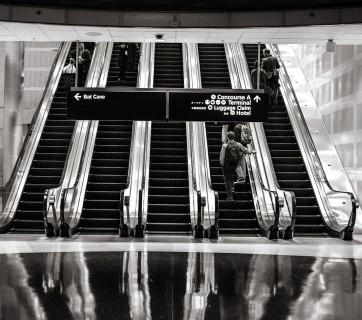 escalators-594463_1280