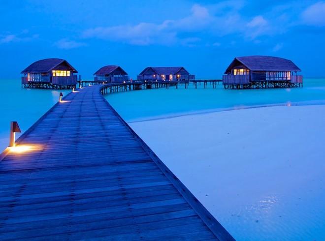 1024px-Cocoa_Island_(Maldives)-32