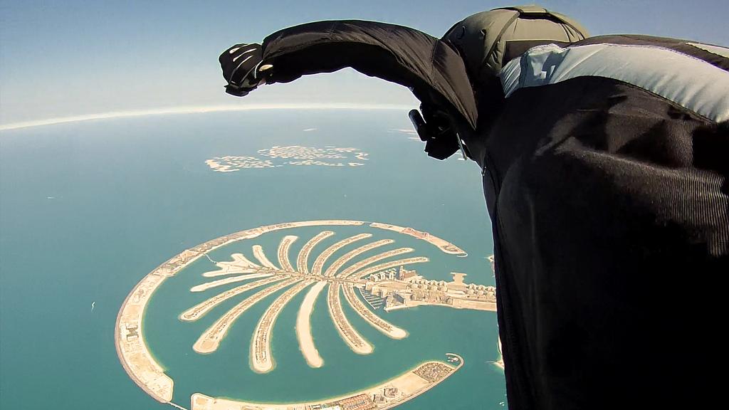 Dubai_Wingsuit_Flying_Trip_(7623543862)