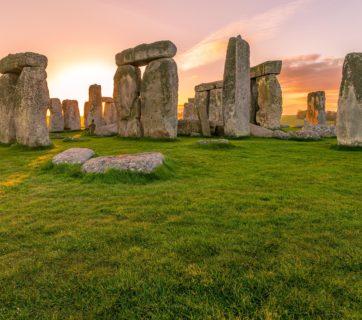 stonehenge-under-the-sunset-skies