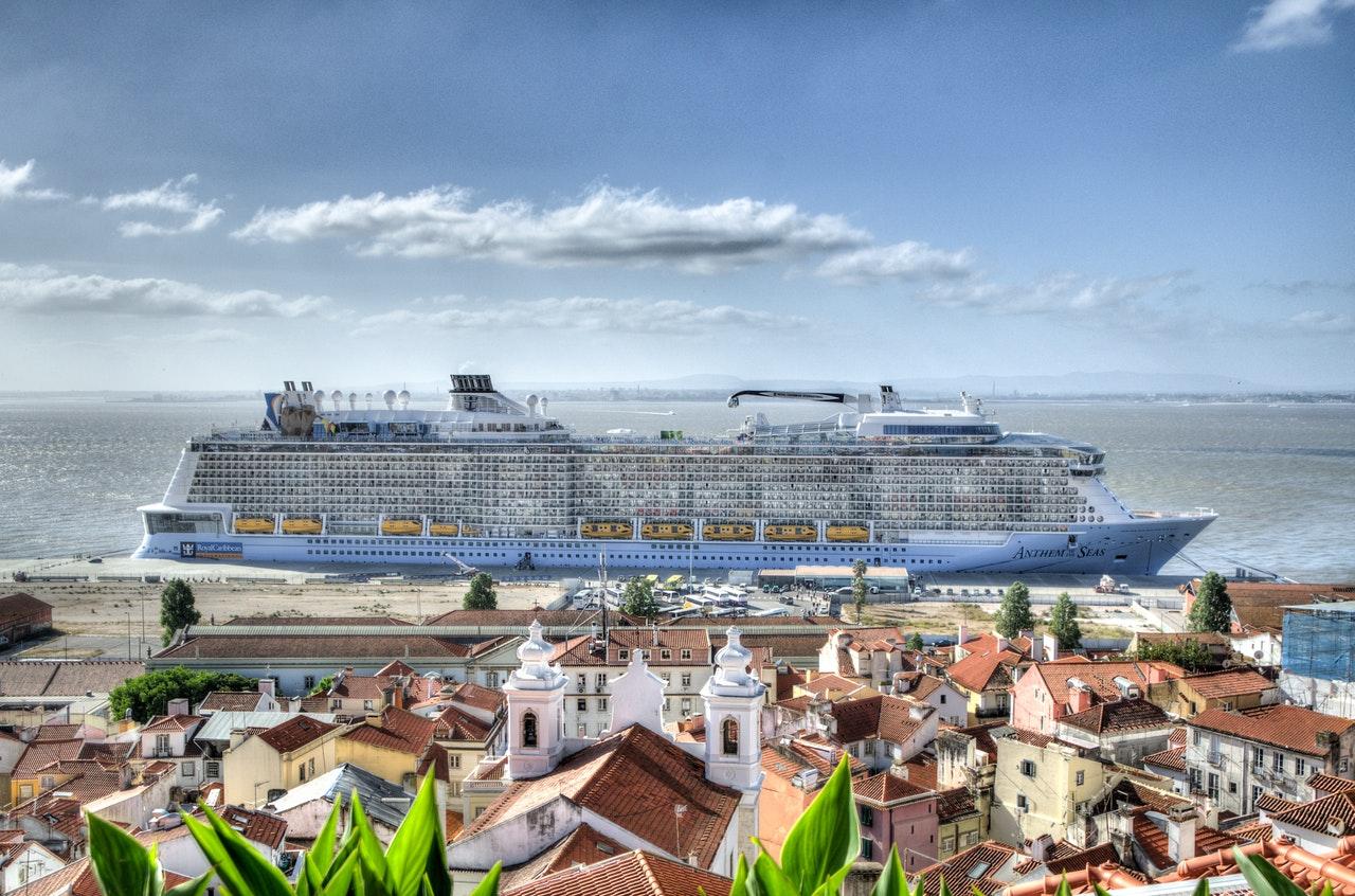 sea-boat-luxury-travel