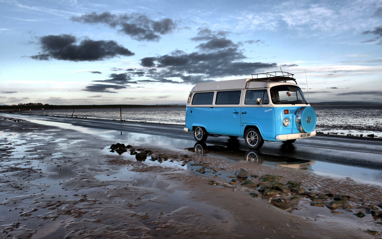 beach-campervan-drive-210010