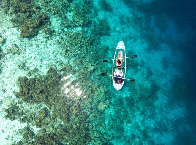 two-person-riding-kayak-1320684