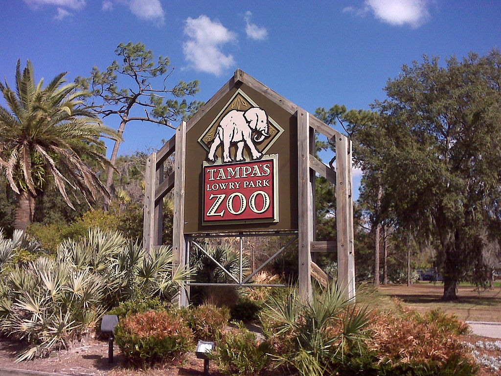 1024px-Lowry_Park_Zoo_Sign_in_Tampa