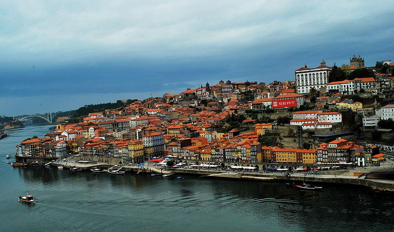 800px-Porto_(Oporto),_Portugal